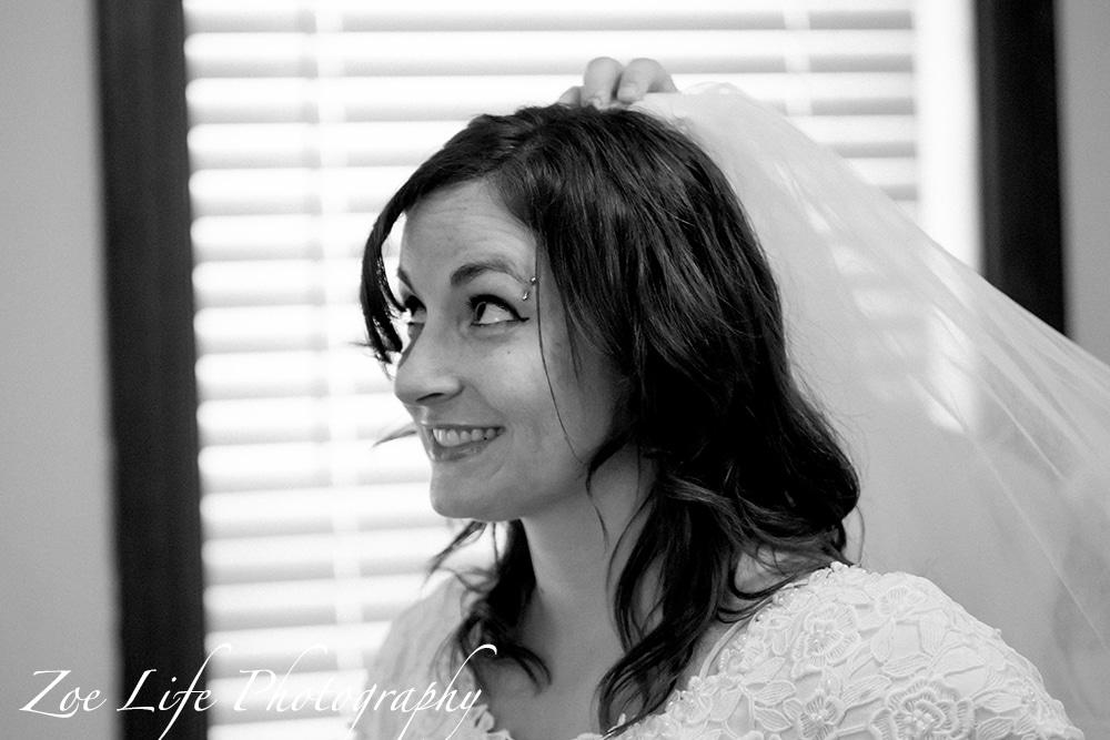 Bride getting ready, wedding photography