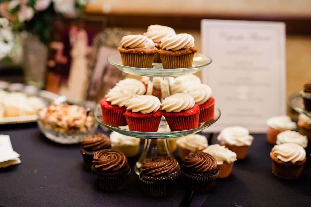 Nashville Wedding Photographers, Embassy Suites Cool Springs Wedding Reception, Wedding Cupcakes