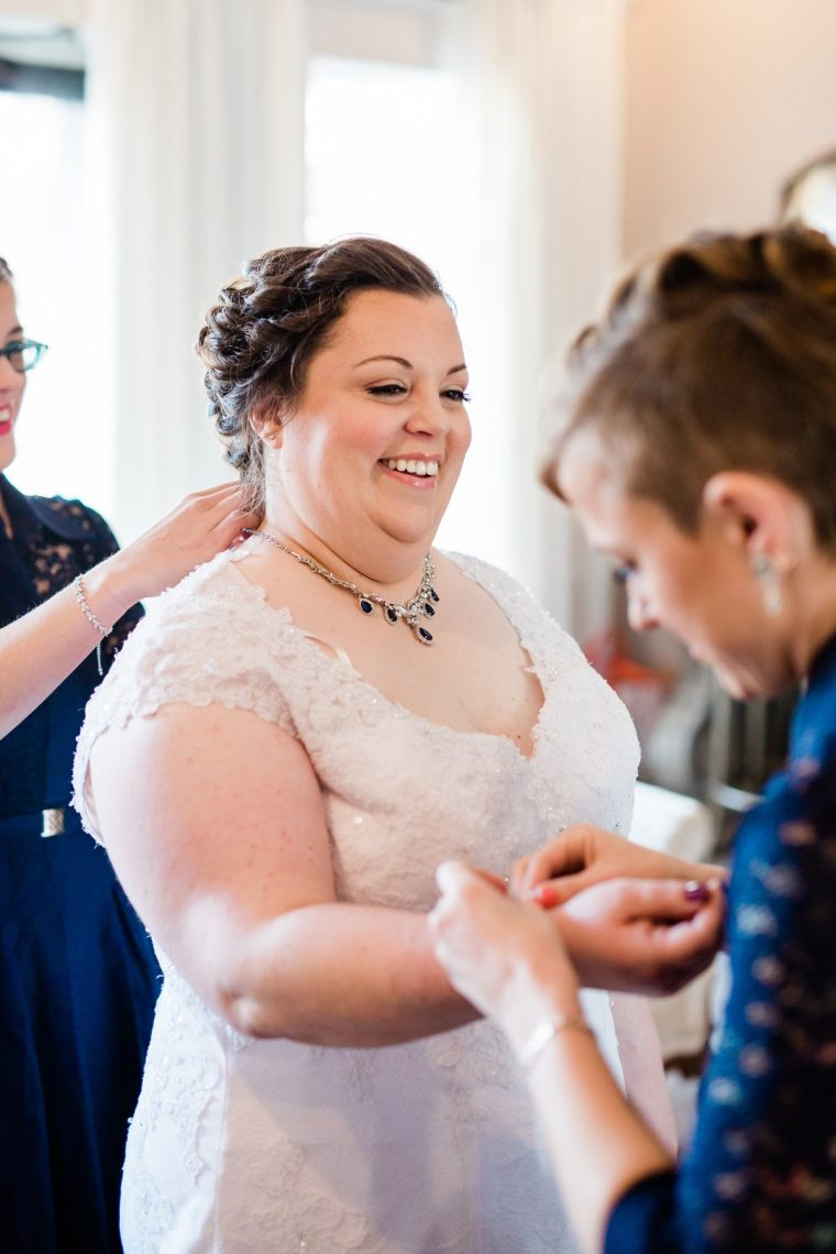 St. Louis Wedding Photographers, Silver Oaks Chateau Wedding, Bride getting ready